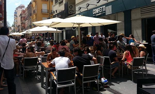 Terraza del pub Confetti en Alicante centro
